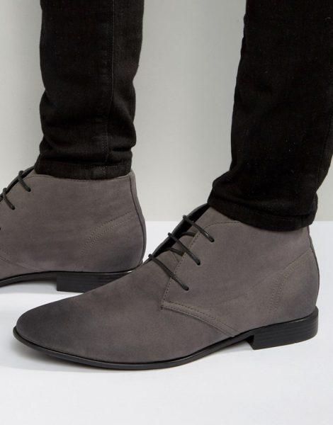 ASOS DESIGN - Chukka-Stiefel aus grauem Wildlederimitat