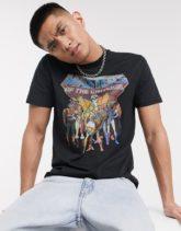 ASOS DESIGN - Masters Of The Universe - T-Shirt mit Aufdruck vorne-Schwarz