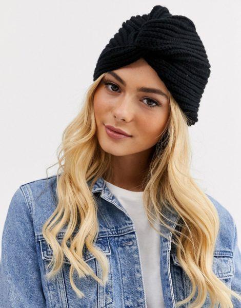 Glamorous - Gerippte Mütze in Schwarz mit Wickeldetail