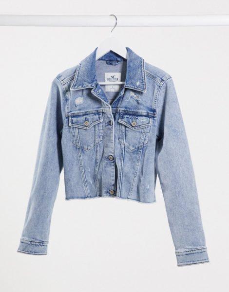 Hollister - Kurz geschnittene Jeansjacke mit mittelblauer Waschung