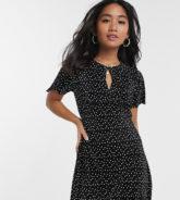 Miss Selfridge Petite - Ausgestelltes Kleid mit Tupfen-Schwarz