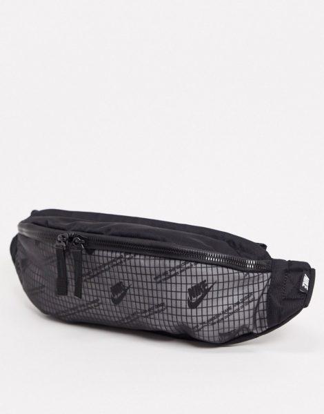 Nike - Heritage - Gürteltasche mit Logoprint in Schwarz/Weiß