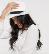 South Beach - Exklusiver, größenverstellbarer Trilby-Hut aus Stroh mit ausgefranstem Design in Weiß