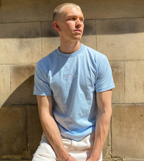 Parlez - Ladsun - Besticktes T-Shirt in Blau, exklusiv bei ASOS
