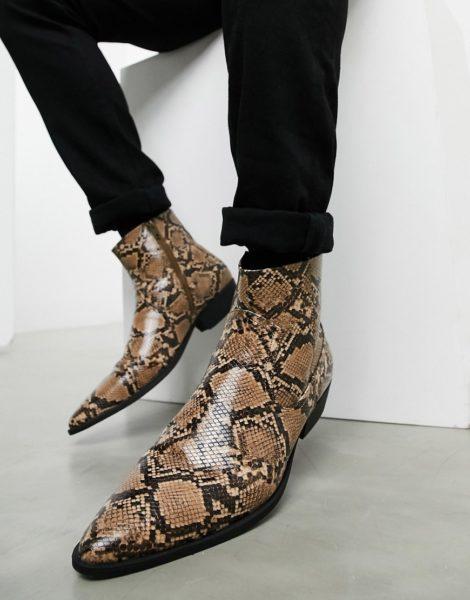 ASOS DESIGN - Chelsea-Stiefel im Westernstil mit kubanischen Absätzen aus schwarzem Kunstleder mit Schlangeneffekt-Braun