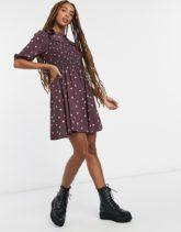ASOS DESIGN - Elastisches Mini-Skater-Kleid mit gerüschtem Bubikragen und Punktmuster-Mehrfarbig