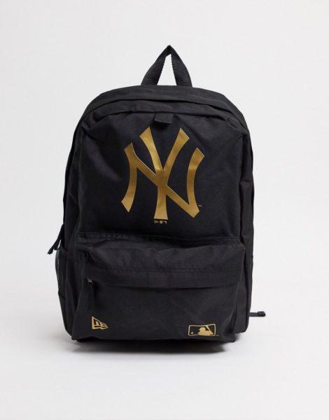 New Era - MLB NY - Schwarzer Backpack mit abgesetztem, goldenem Logo
