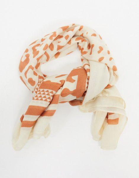 Pieces - Leichter, quadratischer Schal in Weiß mit Animalprint-Grau