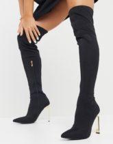 Simmi London - Liane - Elastische Overknee-Stiefel in Schwarz mit goldenem Absatz