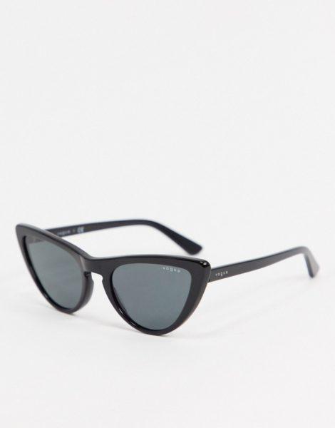 Vogue - Cat-Eye-Sonnenbrille in Schwarz, 0VO5211SM