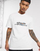adidas Originals - Weißes T-Shirt mit Adventure- und Chamäleon-Print