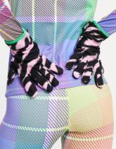 ASOS 4505 - Ski-Handschuhe aus Polarfleece mit Zebramuster in Rosa-Mehrfarbig