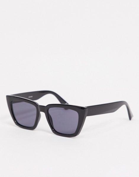 ASOS DESIGN - Oversize-Katzenaugen-Sonnenbrille in Schwarz mit getönten Gläsern