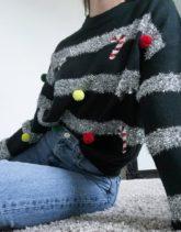 ASOS DESIGN - Weihnachtspullover in Grün mit Lametta- und Kugelverzierung-Schwarz