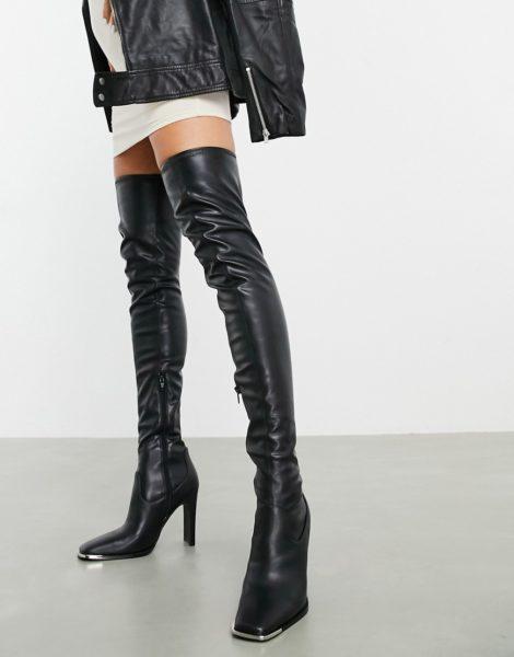 ASOS DESIGN - Kieran - Schenkelhohe Stiefel mit Metallbesatz in Schwarz