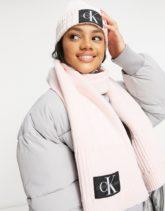 Calvin Klein Jeans - Geschenkset aus Mütze und Schal in Rosa-Schwarz