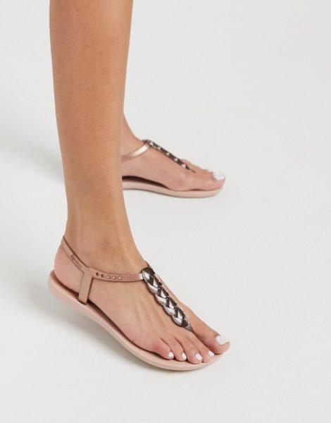 Ipanema - Charm - Sandalen mit goldenen Details in Blush-Beige
