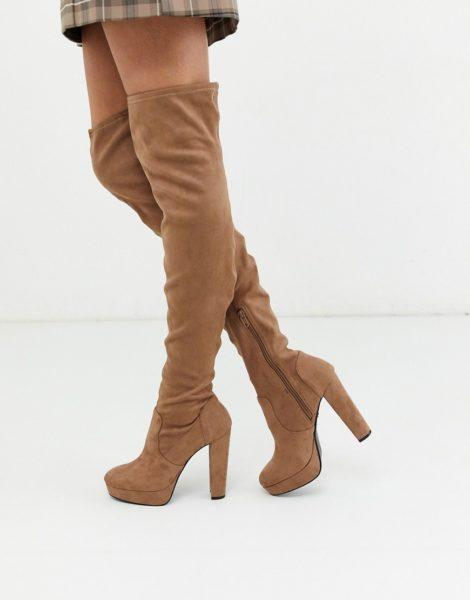 Miss Selfridge - Kamelbraune Overknee-Stiefel mit Absatz-Bronze