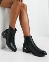 New Look - Chelsea-Stiefel mit Metallferse in Schwarz