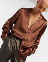 ASOS DESIGN - Hemd aus Satin mit eingekerbtem Revers, reguläre Passform-Braun