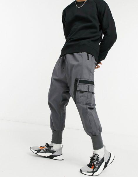 ASOS DESIGN - Hose im niedrigen Schnitt mit MA1-Tasche und Jersey-Bündchen-Grau