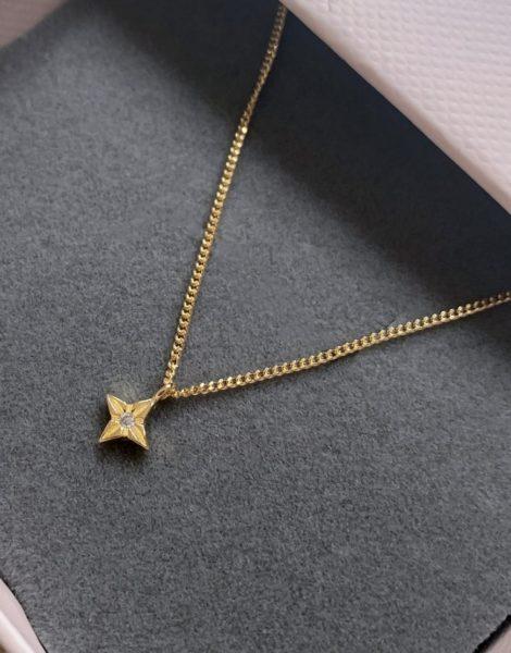 Astrid & Miyu - Herausgeätzte Halskette mit Sternenanhänger in vergoldetem Sterlingsilber