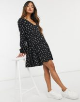 Hollister - Kurzes Kleid mit schwarzem Blumenmuster