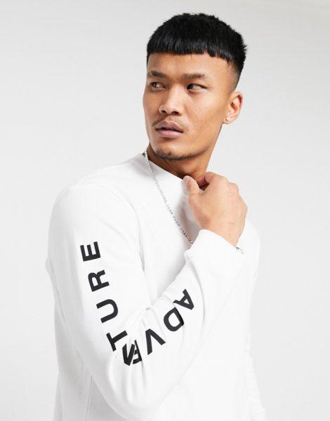 adidas Originals - Langärmliges T-Shirt mit Adventure-Chameleon-Print in Weiß