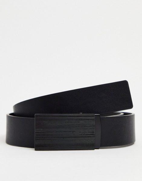 ASOS DESIGN - Schmaler Gürtel aus schwarzem Kunstleder mit schwarzer Metallschnalle