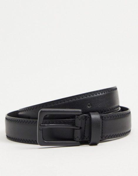 ASOS DESIGN - Schmaler, schwarzer Gürtel aus Kunstleder mit Ziernaht und mattschwarzer Schnalle