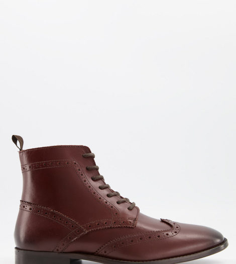 ASOS DESIGN Wide Fit - Stiefel im Budapester Stil in weiter Passform aus braunem Leder mit schwarzer Sohle