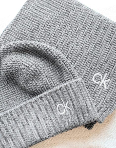 Calvin Klein - Set mit gestricktem Schal und Mütze in Grau