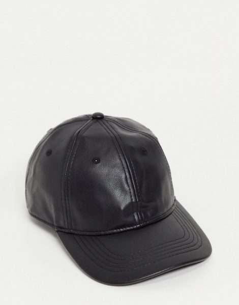 Monki - Georgia - Kappe aus Kunstleder in Schwarz