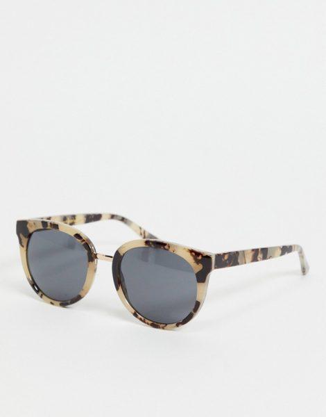 A.Kjaerbede - Gray - Oversize-Cat-Eye-Sonnenbrille für Damen in beiger Schildpattoptik-Neutral