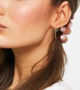 ASOS DESIGN - Ohrringe zum Durchziehen aus vergoldetem Sterlingsilber mit Kleeblatt-Design-Goldfarben