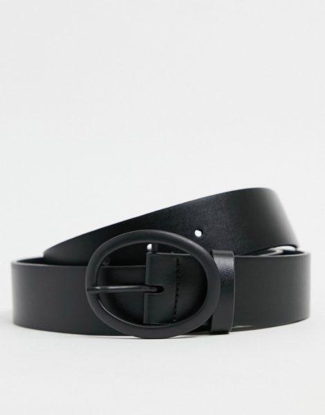ASOS DESIGN - Schmaler Gürtel aus schwarzem Kunstleder mit mattschwarzer, runder Schnalle