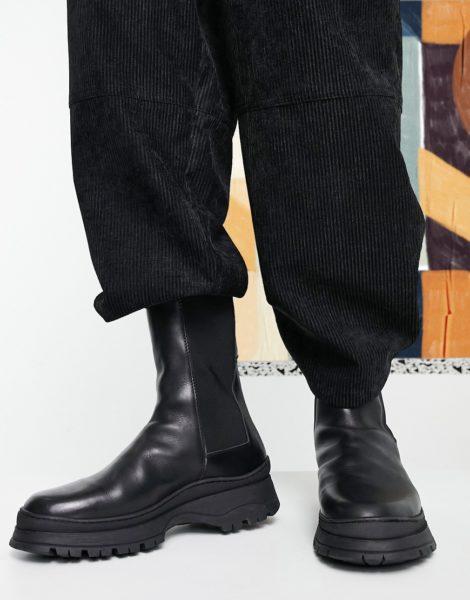 ASOS DESIGN - Wadenhohe Chelsea-Stiefel aus schwarzem Leder mit wattiertem Schaft und grober Sohle