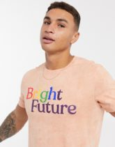 Abercrombie & Fitch - Pride - T-Shirt mit Grafik in Koralle-Rosa