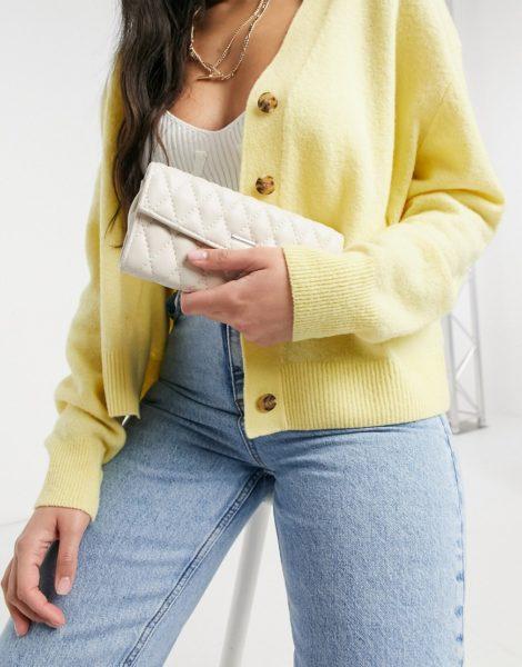 Karen Millen - Dixie - Gesteppte Geldbörse in Creme-Weiß