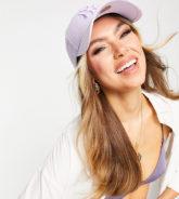 New Era - 9Forty - Exklusive Kappe in Flieder mit farblich abgestimmter NY-Stickerei-Lila