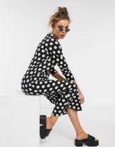 ASOS DESIGN - Langärmliges Shirt-Kleid in Schwarz mit weißen Punkten