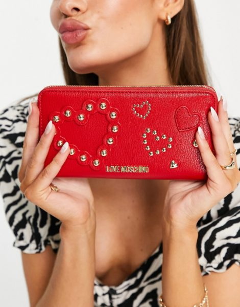 Love Moschino - Geldbörse mit herzförmigen Nietendetails in Rot