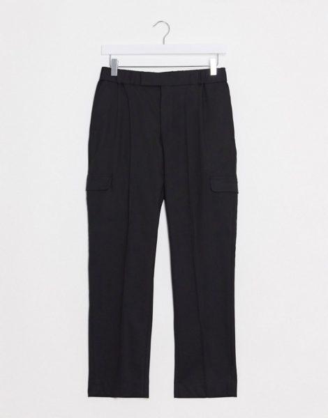 ASOS DESIGN - Elegante, enge Hose in Schwarz mit Cargotaschen und elastischem Taillenbund