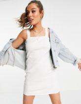 ASOS DESIGN - Geripptes Bodycon-Kleid in Weiß mit eckigem Ausschnitt