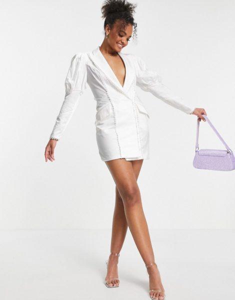 ASOS DESIGN - Kleid im Smoking-Stil mit Puffärmeln, Sitze und Knopfdetail in Weiß