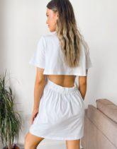 ASOS DESIGN - Kurzes T-Shirt-Kleid mit Rückenausschnitt in Weiß