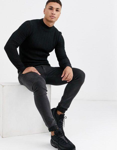 ASOS DESIGN - Muskel-Pullover mit Rollkragen und Zopfmuster in Schwarz