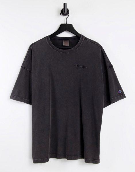 Champion - Reverse Weave - T-Shirt mit Acid-Waschung in Schwarz