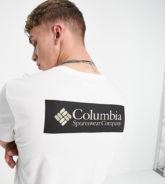 Columbia - North Cascades - T-Shirt in Weiß/Schwarz - exklusiv bei ASOS