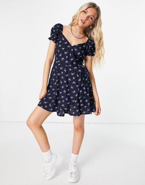 Hollister - Kleid mit Puffärmeln und Blumenmuster in Marineblau